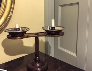 Double candle-stick rest