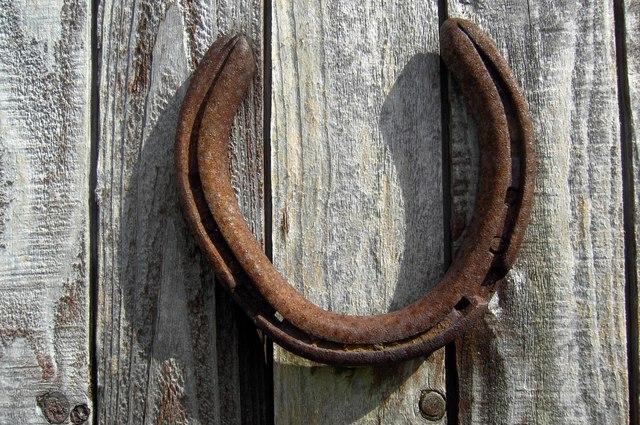 lucky_horseshoe_colin_kinnear